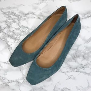 The Raquel Pump Suede Midnight Spruce Kitten Heels